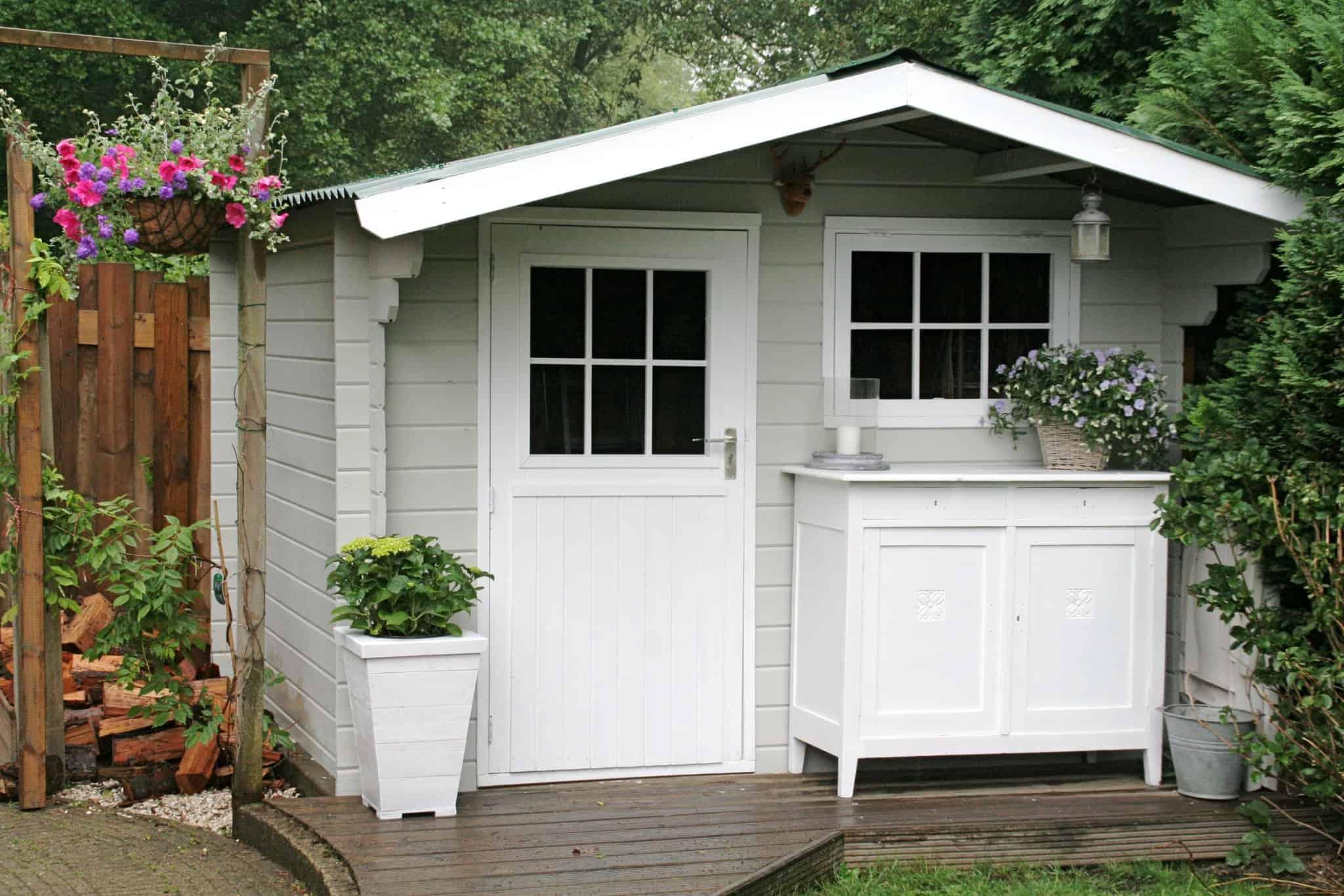 tuinhuis verven tuinhuisje verven met moose f rg simpel. Black Bedroom Furniture Sets. Home Design Ideas