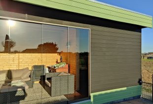 Blokhut Zwart en groen