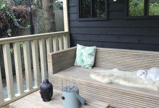 tuinhuis zwart verven
